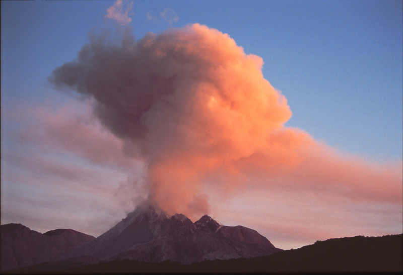Mont-Eruption1b