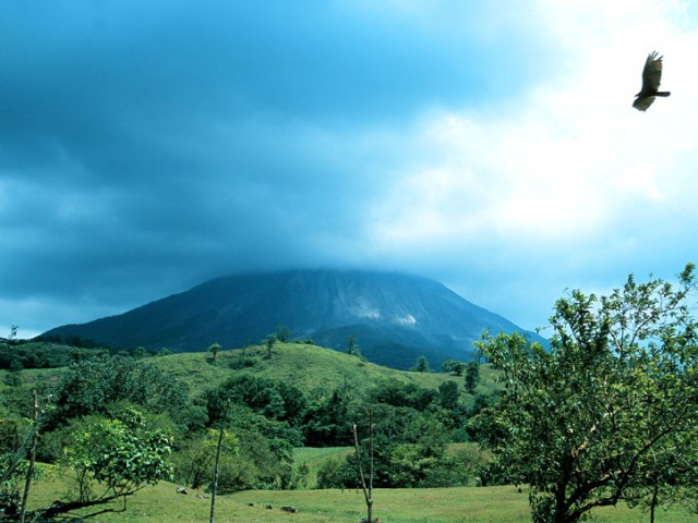 Arenal Volcano from the Cabinas Los Guayabos